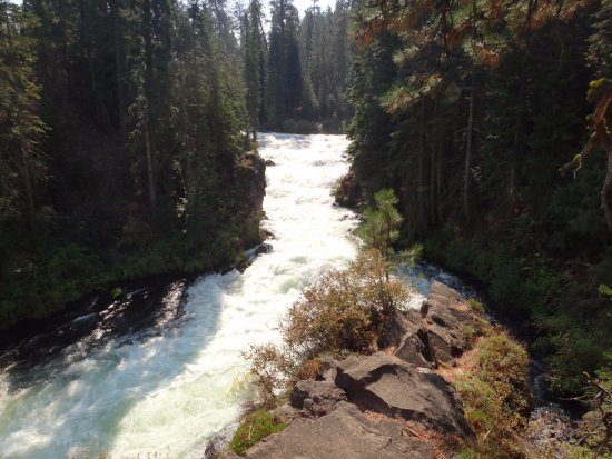 Sunriver, OR: Benham Falls Looking Again Upstream