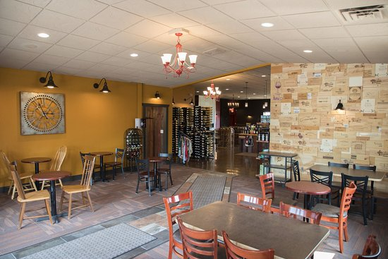 Entry dining room at Vino Latte - Wausau