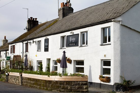 Plympton, UK: Located in the village of Sparkwell