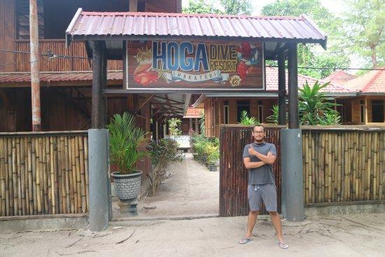 Hoga Dive Resort: the gate