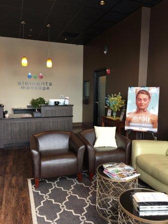 Elements Massage: Lobby