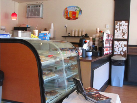 Lolly's cafe: Pastry Case