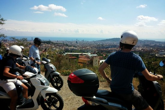 Mondo Rent: panoramic view of Barcelona by scooter