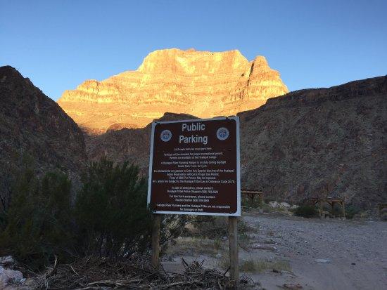 Peach Springs, AZ: Campground entrance!