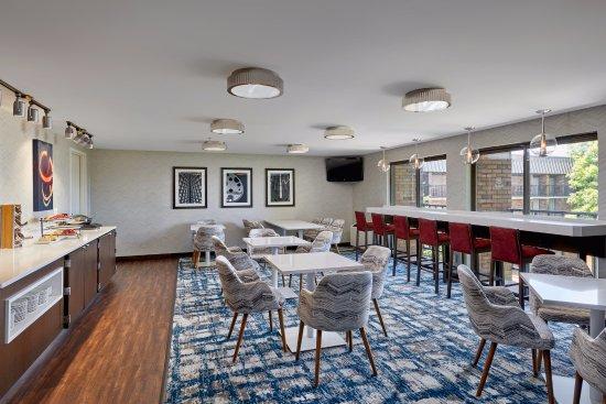 Brookfield, WI: Club Lounge