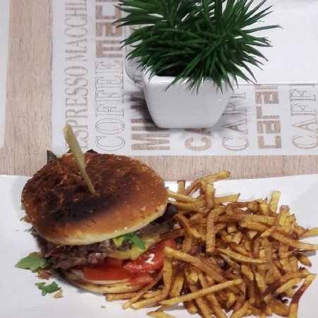 plats du monde et burger frites maison picture of miam z 39 elle anglet tripadvisor. Black Bedroom Furniture Sets. Home Design Ideas
