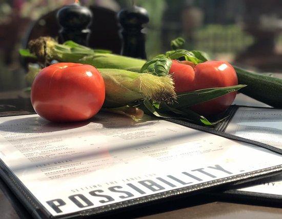 แอปเปิลเวลลีย์, มินนิโซตา: Our late Summer seasonal menu features the finest fresh locally grown ingredients.