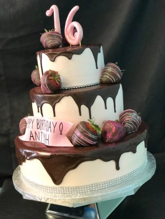 Cake Artista Chocolate Ganache Drizzle With Covered Strawberries