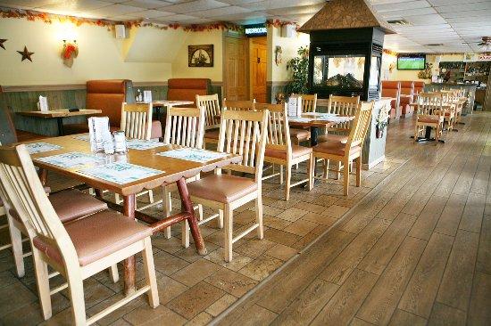 Port Elgin, Канада: Aunt Mabel's Newly Renovated Restaurant.