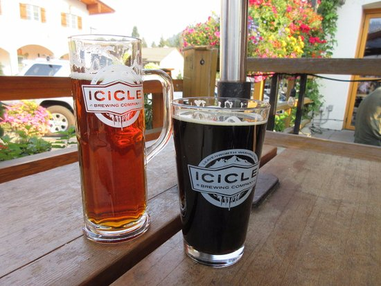 Hotel Pension Anna: Icicle Brewery was just one block away. Local craft beers are served.