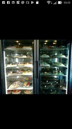 Tagliacozzo, Italia: vetrina torte