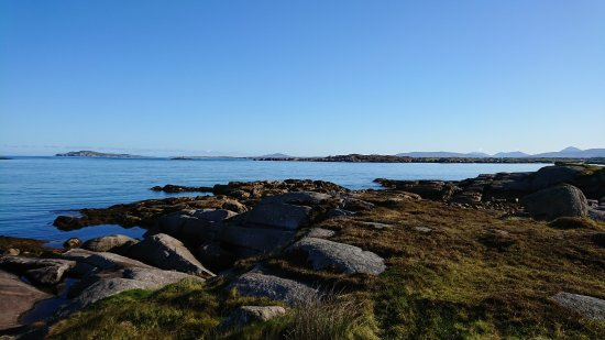 Arranmore, Irlanda: Unreal view across to mainland Donegal