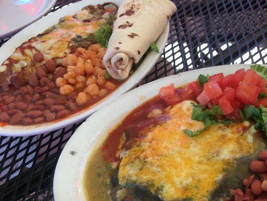 El Prado, NM: Chicken enchilada and chili relleno