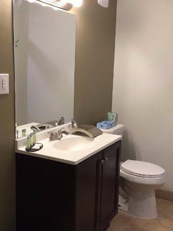 Norristown, PA: Standard Bathroom