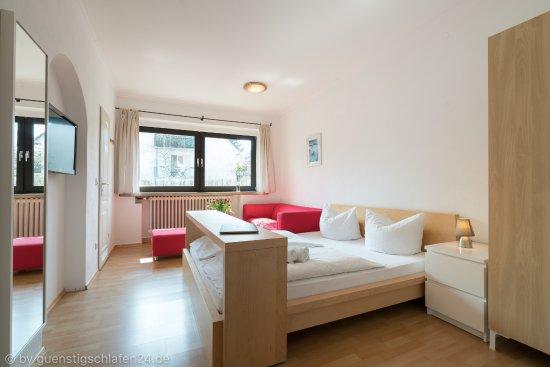 Guenstigschlafen24.de: Verdistr. 21 Doppelzimmer mit WC/Dusche, Kabel TV, W-LAN