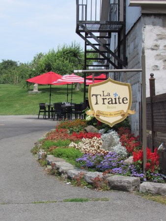 Chateauguay, Καναδάς: Le bistro est en fleur !