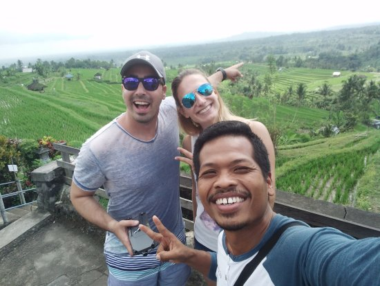 Lovina Beach, Indonesien: with Alina & Elvin from Austria