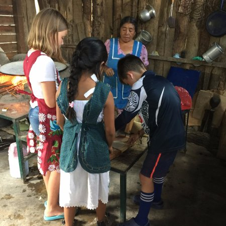 Traditions Mexico Cultural Journeys : Making quesadillas at the Tlacolula market tour