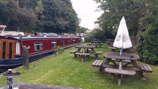 Bradford-on-Avon, UK: Canal Side
