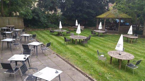Bradford-on-Avon, UK: Main Garden