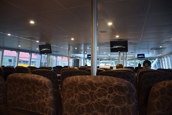Strahan, Australia: Inside the ship is warm and cosy