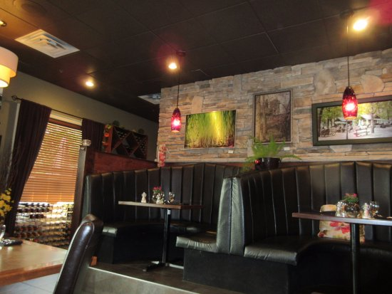 Salmon Arm, Canadá: Booth seating