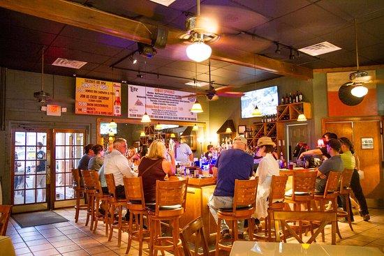 Manakin Sabot, VA: Fun Friendly Bar