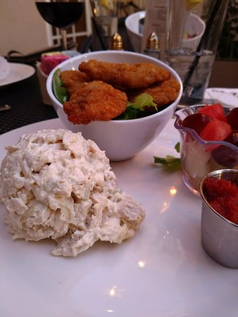 Springfield - Springfield Township, PA: Fried Oysters and Chicken Salad