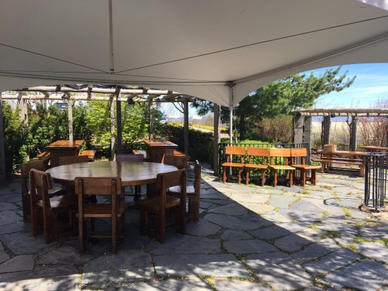 Grand Pre, Canadá: Our pergola during the day
