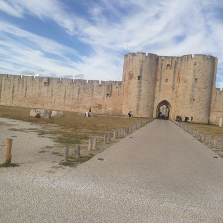 Tours dAigues Mortes Picture of Towers and Ramparts of Aigues