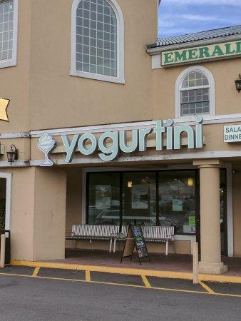 Wayne, Nueva Jersey: Yogurtini Self-Serve Frozen Yogurt