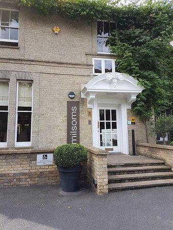 Dedham, UK: Hotel entrance