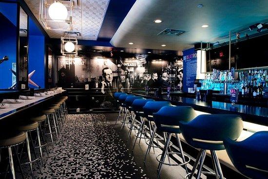 "Royal Oak, Μίσιγκαν: A shot of our mural showing ""Diamond Jim"" Brady in his original bar on 7 Mile in Detroit."