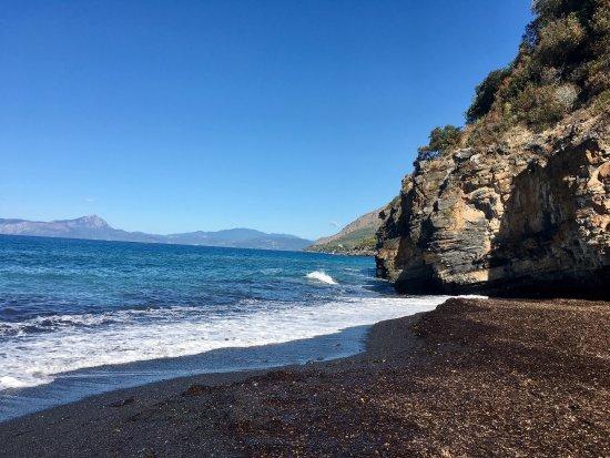 Spiaggia Nera -  Cala Jannita