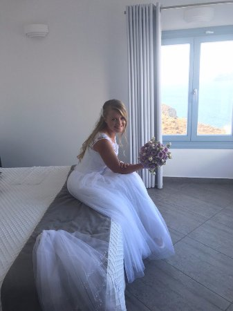 Apanemo: I felt very special on our special day in our special room:)