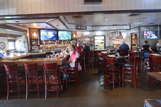 Louisville, CO: The drinking bar