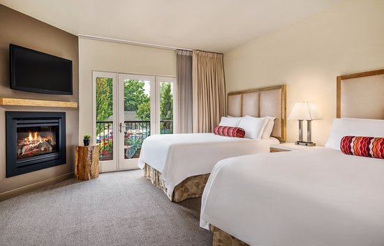 Inn at the 5th: Double Queen Guestroom