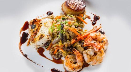 Gurnee, IL: Seafood Trio
