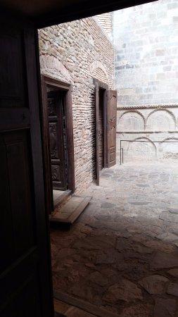 San Juan de la Pena, Spain: patio interior