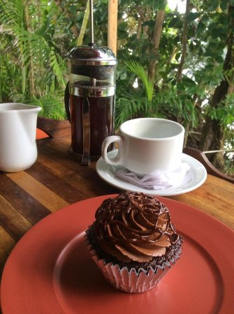 Lambeau, Tobago: Coffee + Cake