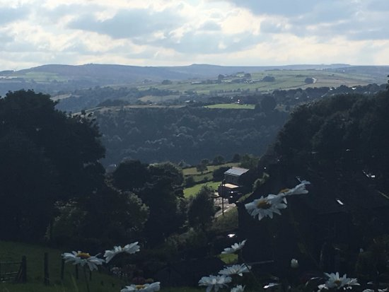 Hare and Hounds Country Inn: August car park view