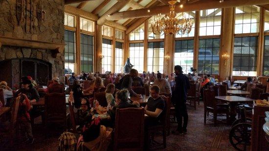 Huntsville, UT: Dining for Xterra participants & spectators in the lodge