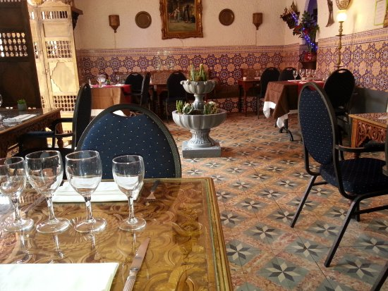 Beaulieu-sur-Mer, فرنسا: première salle du restaurant