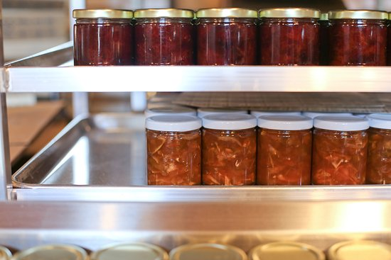 Eastsound, WA: Jam all lined up ready for labeling