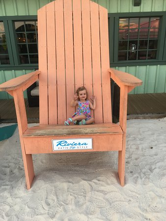 Superbe Bubbau0027s Seafood House: Our Granddaughter Loved The Giant Beach Chairs.