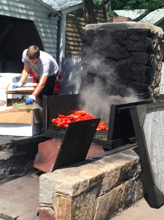 York, ME: Adding lobster to our outdoor steamer