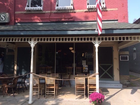 Angelica, NY: Front of coffee house