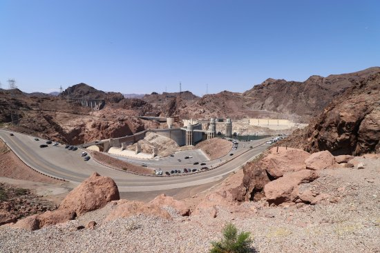 Hoover Dam: View looking southwest from east side tourist shop parking lot.