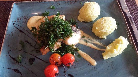 Emden, Germania: Pannfisch mit Wasabipüree