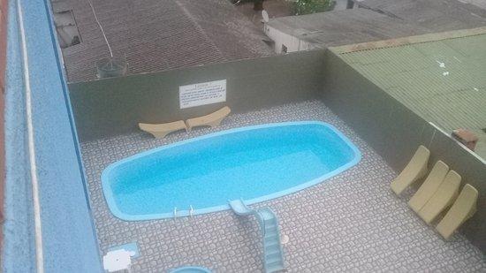 Hotel Lawrence: Piscina com área de lazer